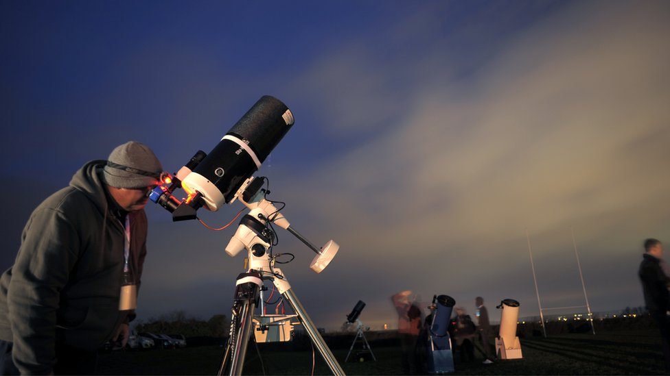 observing with a telescope in a handicap - 976×549